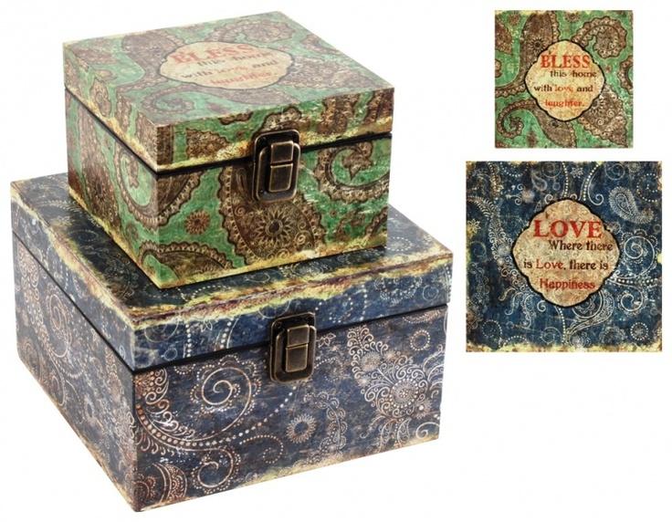 """Set de cutii decorative """"Vintage Marie"""". Cutiile pot fi folosite pentru a depozita nasturi, bomboane sau dulci nimicuri. Un cadou decoraţiune deosebit!"""