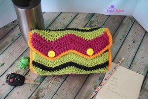 Accordion Coupon Clutch free crochet pattern