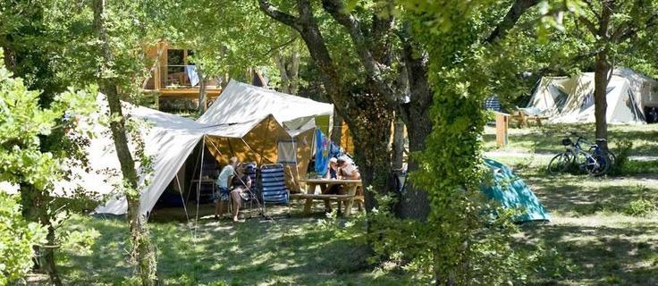 Huttopia Frankrijk | Natuurcamping in Frankrijk, groene camping in bos, originele camping
