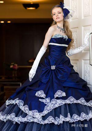 アンティーク調がおしゃれなネイビーのカラードレス♪ウェディングドレス・花嫁衣装の参考一覧まとめ♪