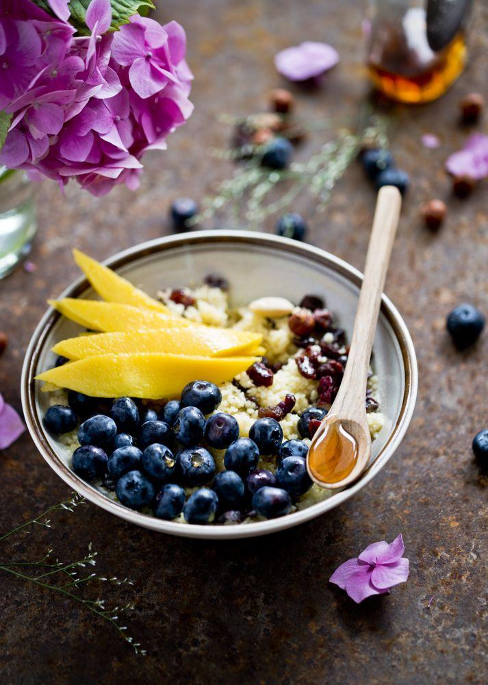 kuskus na mleku z owocami i bakaliami