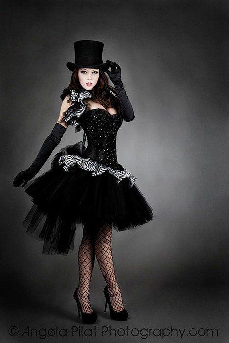 92 best images about burlesque gothic circus sur pinterest for Definition art gothique