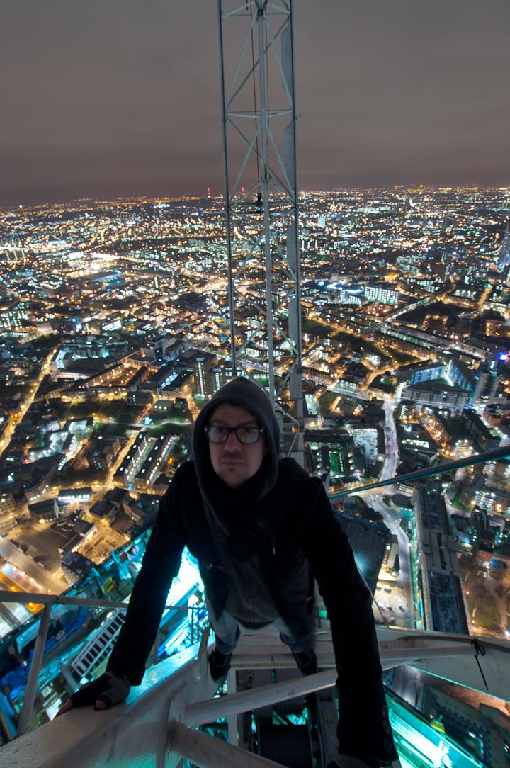 Best Skywalker Images On Pinterest Amazing Pictures Cities - Crazy guy base jumps radio tower