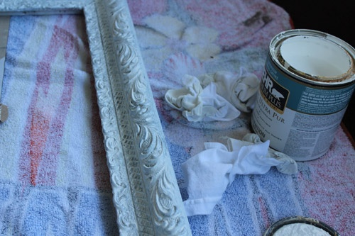 DIY project: vintage picture frame into mirror.