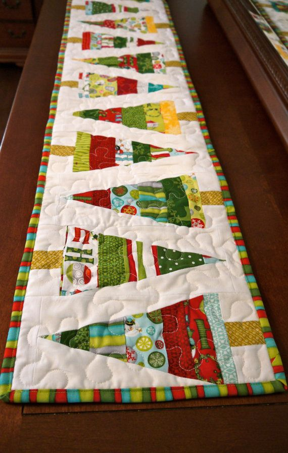 Best 25+ Christmas quilting ideas on Pinterest | Quilted table ...