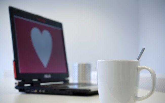 Casamentos iniciados na internet podem durar mais, e com café ainda mais e mais rs.