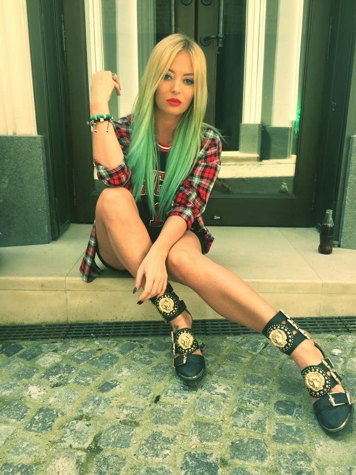 Delia Matache..Romanian singer..love her style..the shoes though rock.....