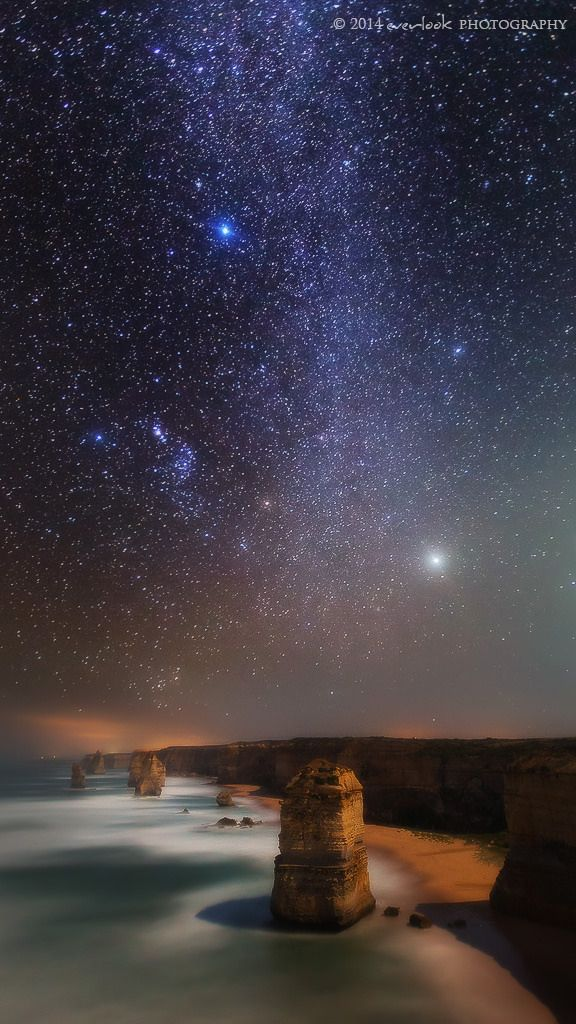 https://flic.kr/p/kwTpHw | Northern Sky | 12 apostles Great Ocean Road  This shot was taken as 2 frames pre and post moonrise on our last night on the Ocean Road. I had planned to try taking a milky way panorama from down at Gibsons Beach but the milky way stars were straight vertical overhead . I took a frame looking south and north instead. This set is the set looking north toward the northern (and less interesting perhaps) part of the milky way.   .<a…
