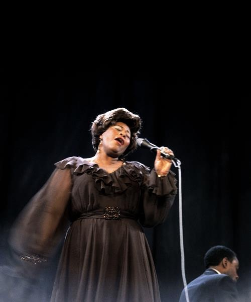 Ella Fitzgerald - a voice like no other. A natural talent for framing a tune. There will never be another like her.