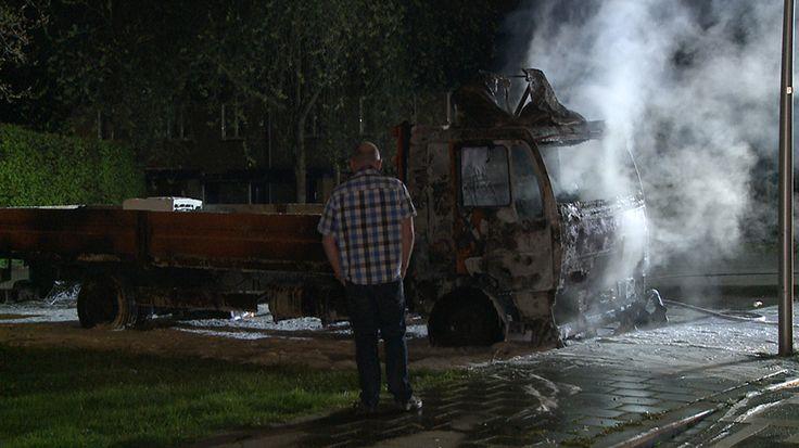Vrachtwagen uitgebrand op parkeerplaats in Maastricht