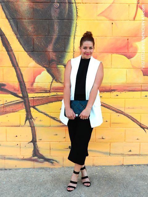 top & pantalon en negro - chaleco en blanco (VÍSTETE QUE VIENEN CURVAS: ¿Salimos de la ZdC? · Outfit)