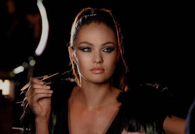Sesión De Maquillaje Gratis Con Max Factor. Aprovecha y dejate maquillar por profesional de la marca Max Factor de manera totalmente gratuita.  + Info: http://www.baratuni.es/2014/03/sesion-maquillaje-gratis-max-factor.html  #maxfactor #maquillajegratis #baratuni