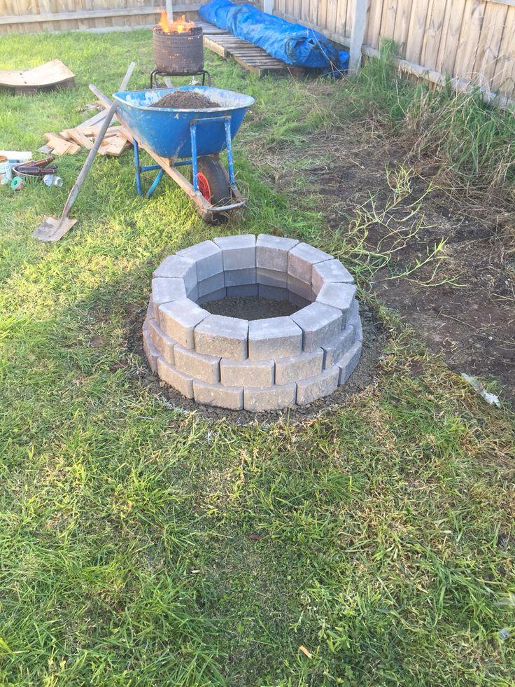 Diy fire pit pallet furniture pinterest diy and for Pallet fire pit
