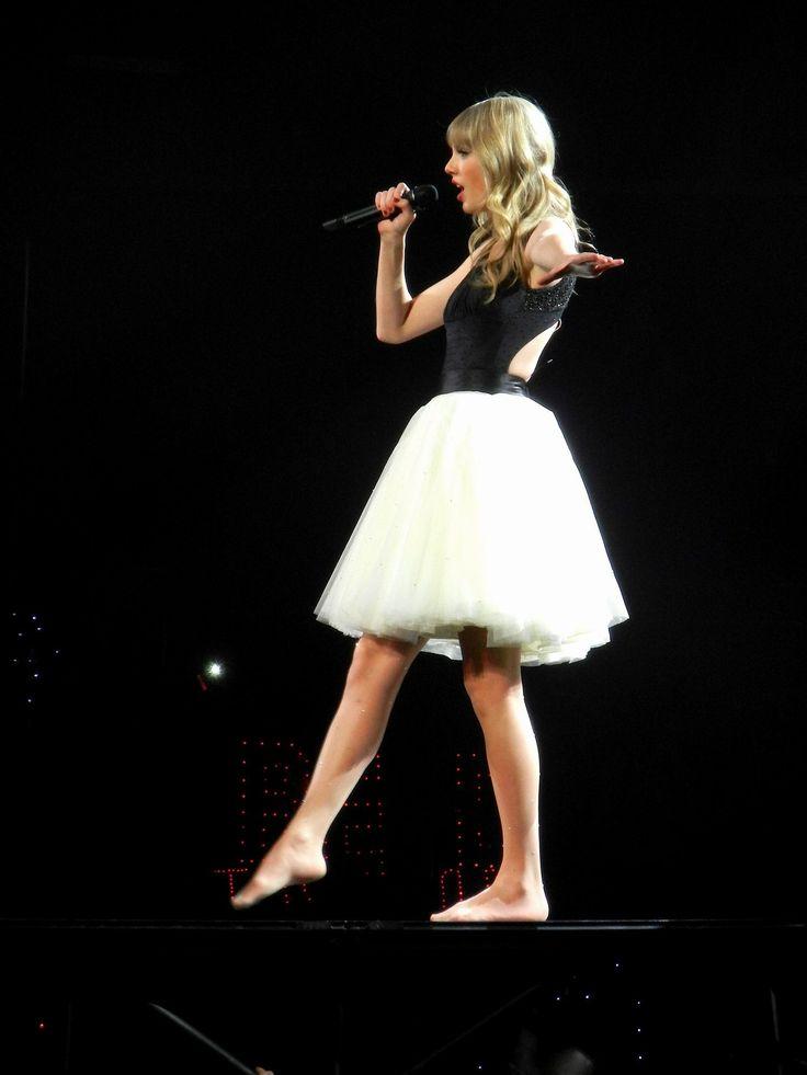 Taylor Swift Treacherous Red Tour