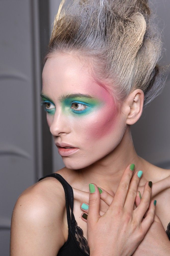 Made with makeup: Make Up, Makeup Trends, Color Themed, Westwood Ss12, The Faces, Vivienne Westwood, Fairies Makeup, Viviennewestwood, Runway Makeup