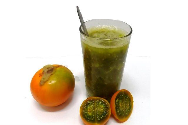 La lulada caleña es una bebida refrescante típica de la gastronomía Colombiana, concretamente del Valle del Cauca, y especialmente típica en Cali.