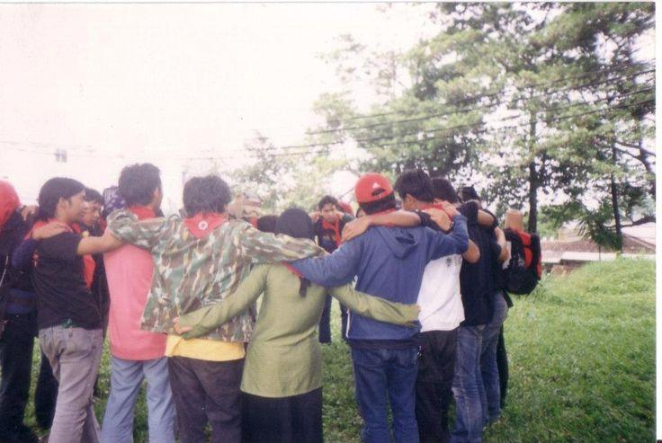 tranformasi unik dari buletin cetak menjadi sebuah ruang informasi bersama seputar kegiatan kepecintaalaman dan lingkungan hidup. dari FPTK UPI untuk Indonesia