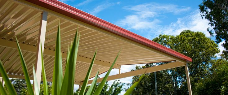 The roof of your patio or pergola is an important decision and you want yours to stand out like this one by Homeshield Patios & Decks Brisbane. #patiodesign