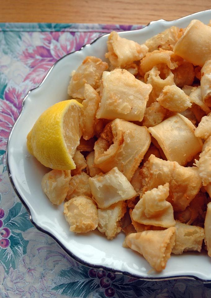 Neapolitan-Style Fried Calamari | This is our family's recipe for calamari that we eat on Christmas Eve. It's so good!