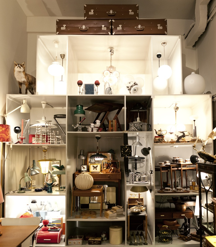 Brandstationen is a vintag store based in an old firestation that focuses on accessories and furniture. Their range is carefully selected by its owner and sold on comission. The store is located on Krukmakargatan 22. Tuukka Ervasti
