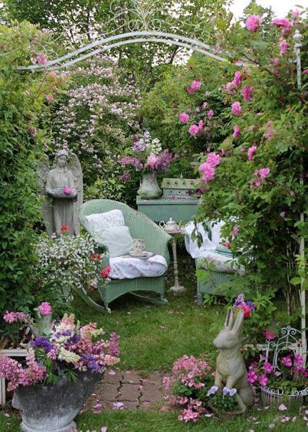 Risultati immagini per shabby chic terraces and garden for Piccoli disegni cottage