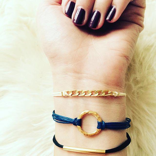 Happy Weekend Ladies!!! New bracelets in Stock!❤️. #siamorejewelry#jewelrygram#schmuck#bracelets#ootd#goldplated#girlslovejewelry#vergoldet#waxedcotton#armkettchen#friendship#fashion#winter#weihnachtsgeschenke#lovejewelry#
