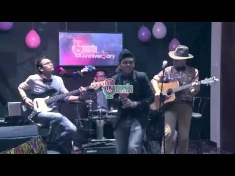 John Lennon - Stand By Me cover by DEGA (live at #MyMusic 5th Anniver5ary)