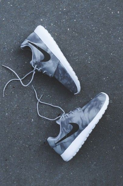 Shoes: nike, sneakers, nike shoes, nike roshe run, nike running shoes, marble, shoes white grey nike, grey and white, nike roches, grey, roshe runs, nike shoes womens roshe runs, roshes             – Wheretoget