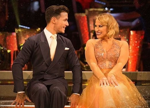 NEWS: Watch Anastacia dancing 'Quickstep' live on BBC Strictly Come Dancing with Gorka Marquez at http://www.anastaciafanclub.com.pt  She got 3️⃣0️⃣ points this Saturday! #TeamAnastacia #TeamFAB #Strictly