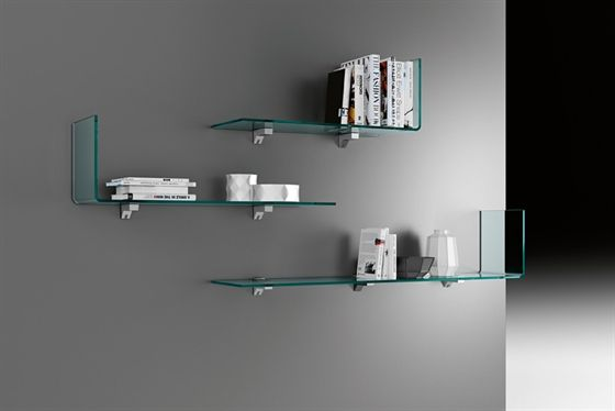 'Rialto Mesole' Shelves in 10 mm-thick curved glass. Chromed metal bracket. Shelves are also available custom-sized with the following limits: length: from 65 cm to 190 cm; depth: from 24 cm to 30 cm; height: up to 36 cm. For lengths up to 100 cm and up to 70 cm for lengths over 100 cm. The maximum gap between brackets is 70 cm.