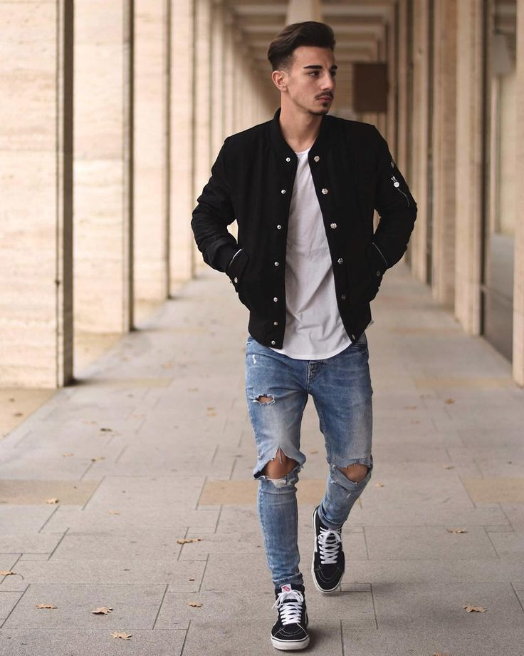 Style by @ianna27 Yes or no? Via @gentwithstreetstyle Follow @mensfashion_guide for dope fashion posts! #mensguides #mensfashion_guide