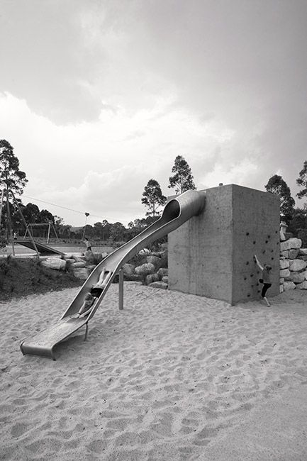 04-Lizard Log Park Slide with integrated climbing wall « Landscape Architecture Works | Landezine