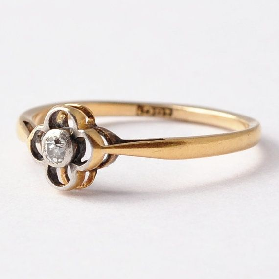 The stark simplicity of this 1920s ring. | 40 Vintage Wedding Ring Details That Are Utterly To Die For