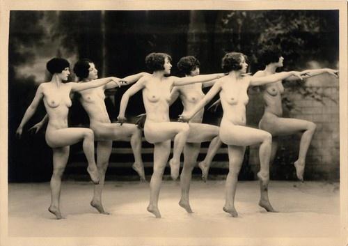 vintage naked dancing girl