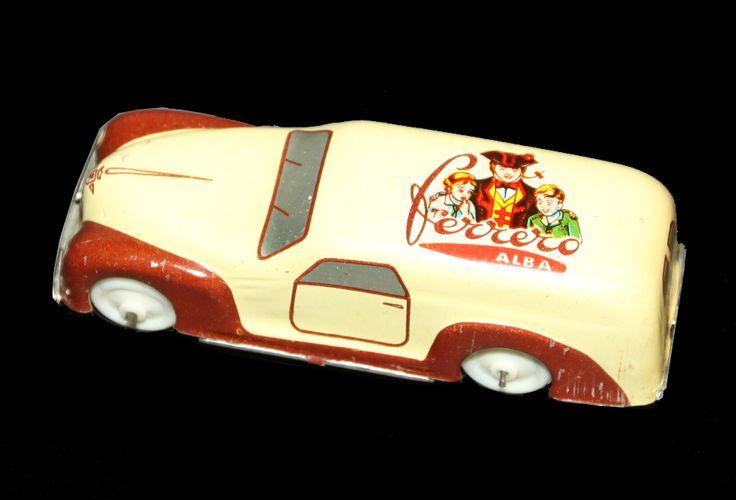 Auto pubblicitaria Marchesini. FERRERO seconda versione con ruote in plastica.