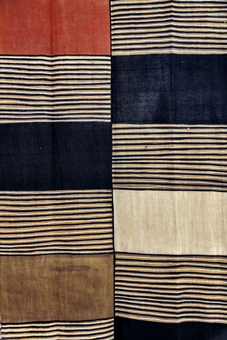Thinking of making a throw blanket out of linen in blocks like this for the bedroom. Bogolan | Mali | Boubacar Doumbia | Oogenlust | Stichting Djenne