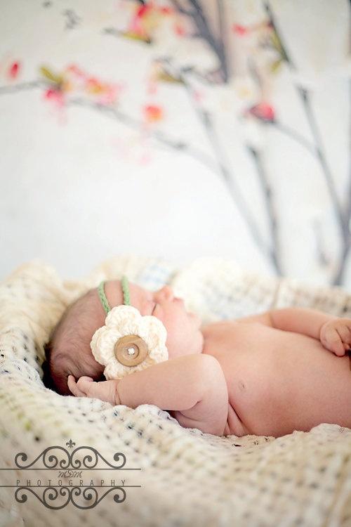 Love Love Love Love Love... Did I mention that I LOVE it? Baby Girl Crochet Headband  Baby girl by TwoLittleAngelsEtsy, $10.00