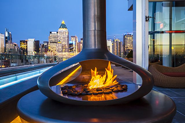Rooftop Bars Open All Year Long: Just because the warm air has forsake us doesn't mean we can't drink atop buildings.