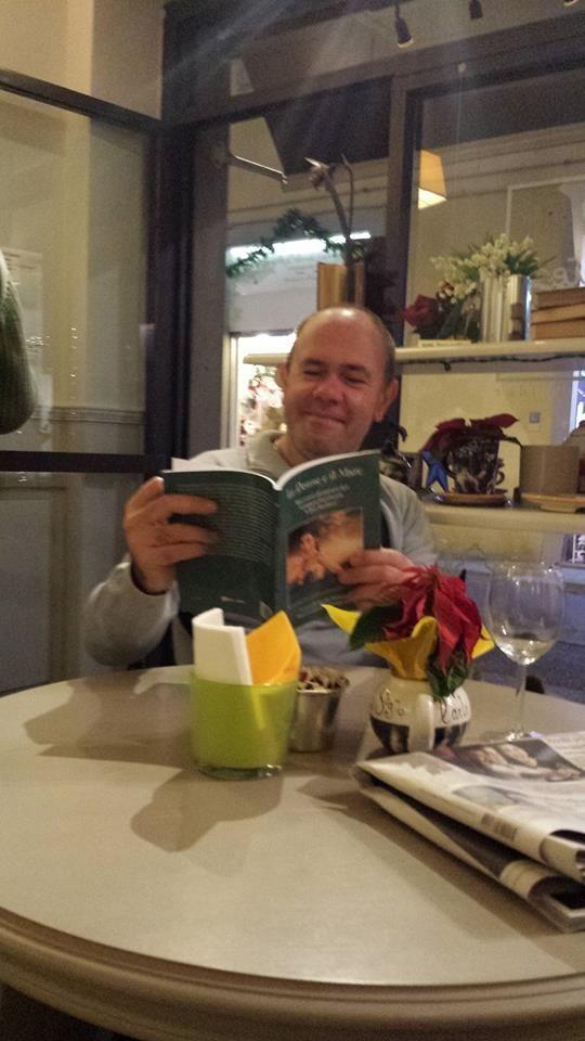 """Massimo Rossi, avventore per """"Le Donne e il Mare"""".  http://www.ibs.it/code/9788891108586/donne-mare.html"""