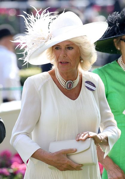 Camilla Parker Bowles Photos Photos - Camilla, Duchess of Cornwall in the parade ring during Royal Ascot 2017 at Ascot Racecourse on June 20, 2017 in Ascot, England. - Royal Ascot 2017 - Day 1