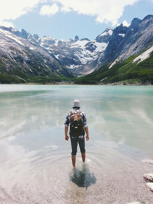 II W O R L D II Lake Esmeralda, Ushuaia, Argentina