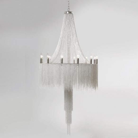 Candelabre Candelabru modern realizat di sute de lantisoare fine de metal. O adevarata opera de arta ce impresioneaza prin ideea designului, forma si...