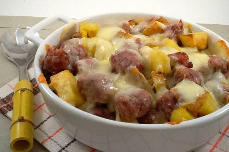 Necesitamos   500 gramos de pechugas de pollo sin piel y en trozos pequeños  70 gramos de parmesano rallado  1 cucharada de perejil  2...