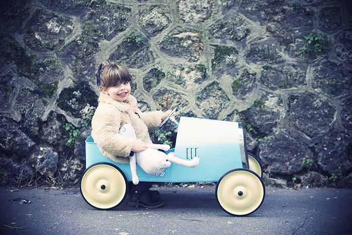 etdieucrea.com - En voiture Simone !