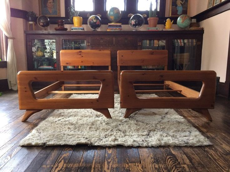 Pair of Mid Century Modern Twin Bed Frames Franklin Shockey Dog Bone Style  #MidCenturyModern #FranklinShockey