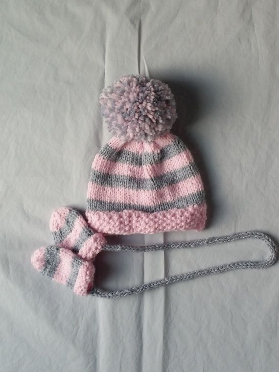 Knitting Pattern For Baby Hat And Mittens : 17 Best images about mittens on Pinterest Free pattern, Wrist warmers and R...