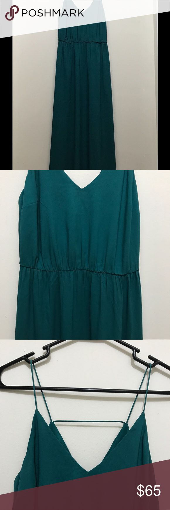 NWT Ann Taylor Loft Green Petite Maxi Dress SPAGHETTI STRAP  V NECK STYLE FRONT WITH V NECK BACK WITH SLIT ON ONE SIDE GREEN COLOR 100% POLYESTER PETITE SIZE 4P Loft Ann Taylor Dresses Maxi