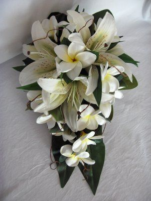 Frangipani & Lily Bouquet, add in pink plumeria and pruple orchid and perfect!  My perfect bouquet with a beautiful  Plumeria!