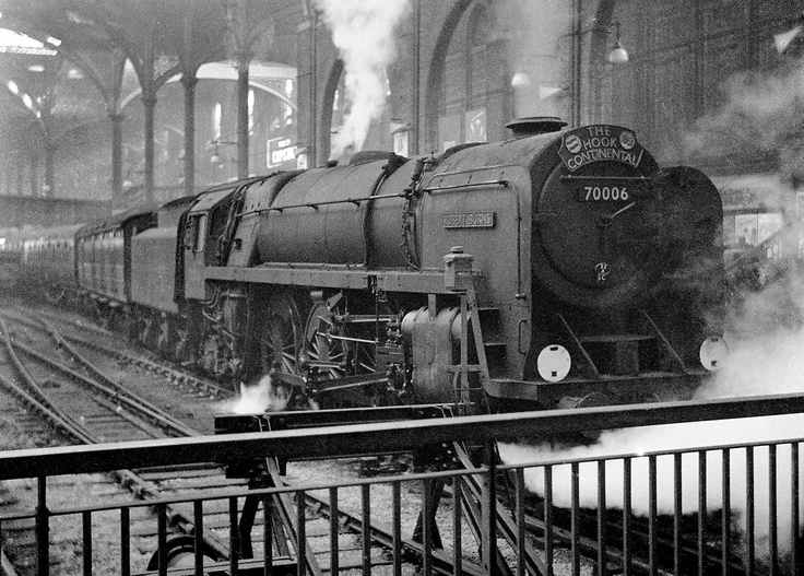 Britannia 70006 stands at the buffer stops after arrival at Liverpool Street with the up 'Hook Continental from Harwich, 24/1/59.