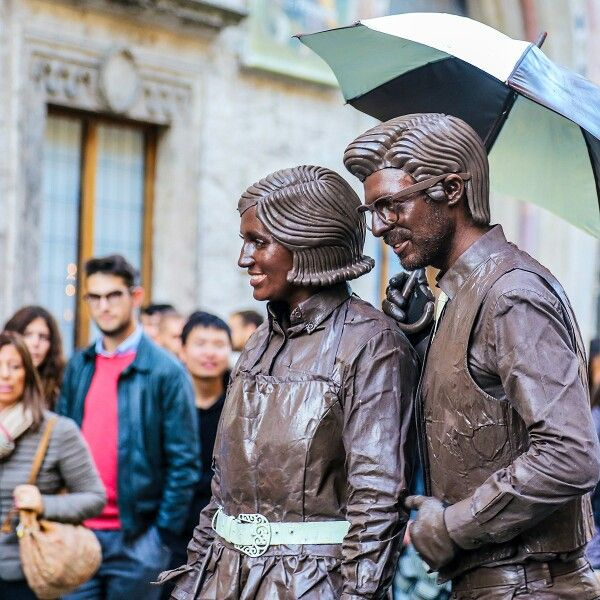 Были сегодня в Перудже, на празднике шоколада. Обалдеть. (На фото не мы.) #perugia #umbria #mustachoc
